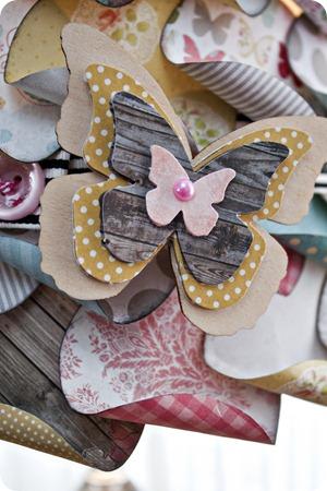 Lamp_Amber Packer_cu_butterfly